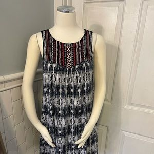 HTML Casual  embroidered dress With pockets.